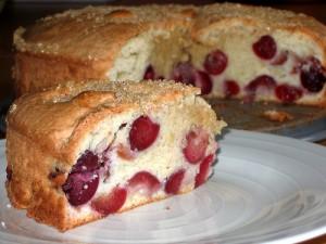 Вишневый пирог на сливках