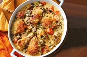 Изысканное куриное фрикассе с овощами и сыром